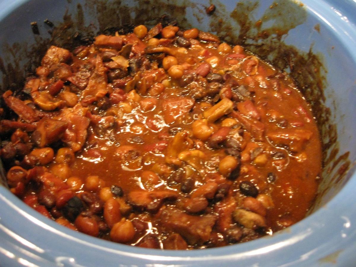Recipe: Easy Baked Beans - Valerie Comer